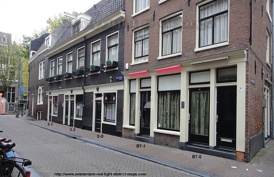 how to find blue light district amsterdam